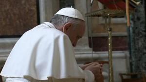 papież-zawierza-się-Maryi
